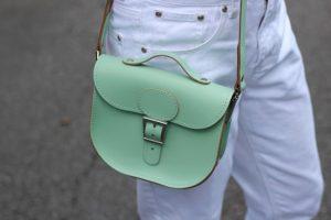 pastelno zelena mint zelena torbica