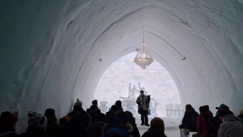 crkva od leda u okviru hotela Foto Trip Blog Post