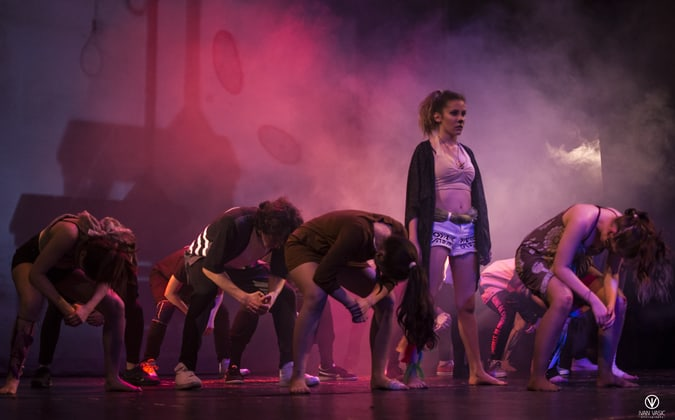 Swing i Continuum Dance Theatre predstava Kolko konj 4 noge ima Foto Ivan Vasic