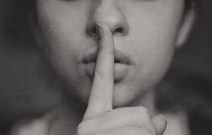 neverbalna komunikacija govor tela foto unsplash
