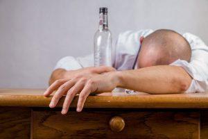 bolest zavisnosti alkoholizam foto pixabay