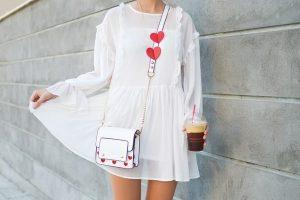 mala bela haljina little white dress foto unsplash