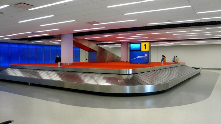 prvi-put-na-aerodromu-preuzimanje-prtljaga