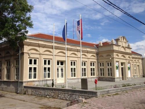Oficirski dom Niš 1 Foto Milorad Dimić - Wikipedia