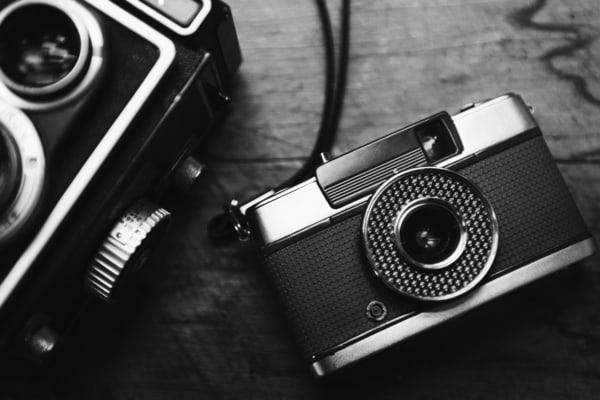 izlozba fotografija fotoaparat analogna kamera foto pexels