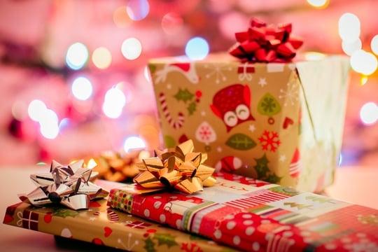 Humanitarna studentska žurka za novogodišnje paketiće za decu