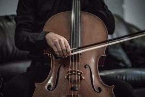 violoncelo violoncelista Foto unsplash