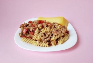hrono rucak testenina sa tunjevinom i paradajzom foto Dijana Kostic