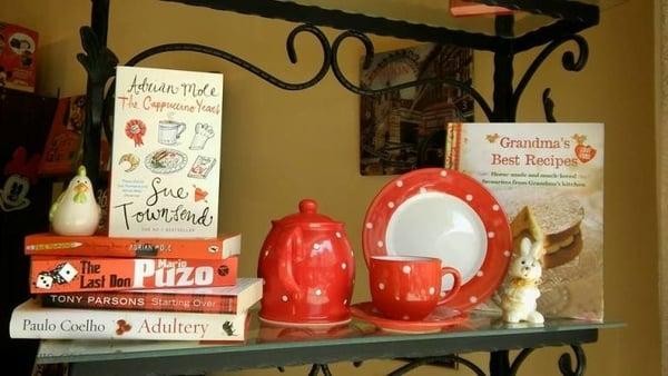 sajam engleskih knjiga i porcelana foto english book fb page