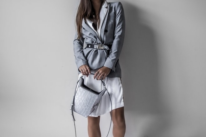 sako, haljina, stajling prolece 2019, foto unsplash